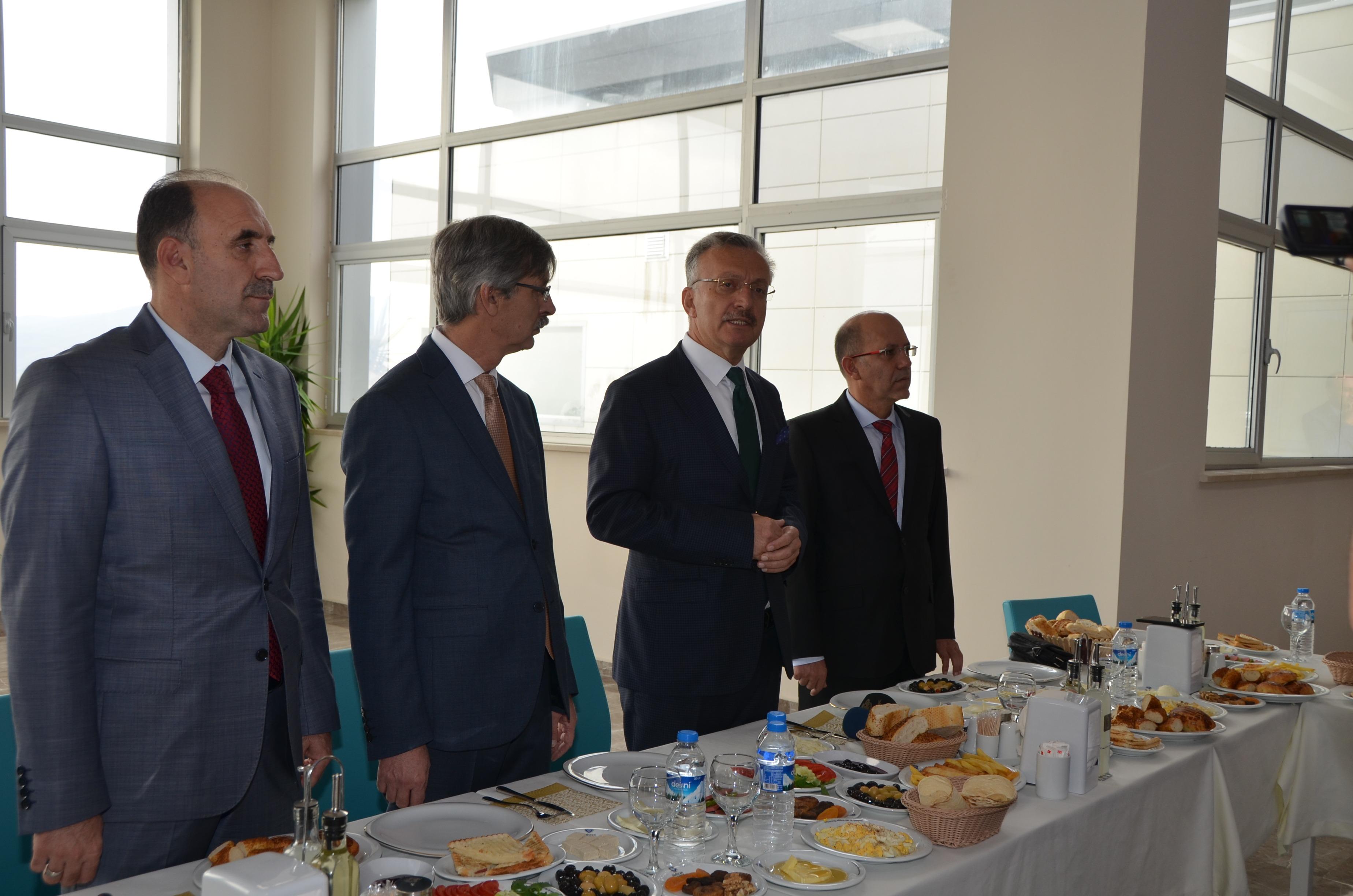 Rektörümüz Erzincan Basını ile Kahvaltıda Buluştu